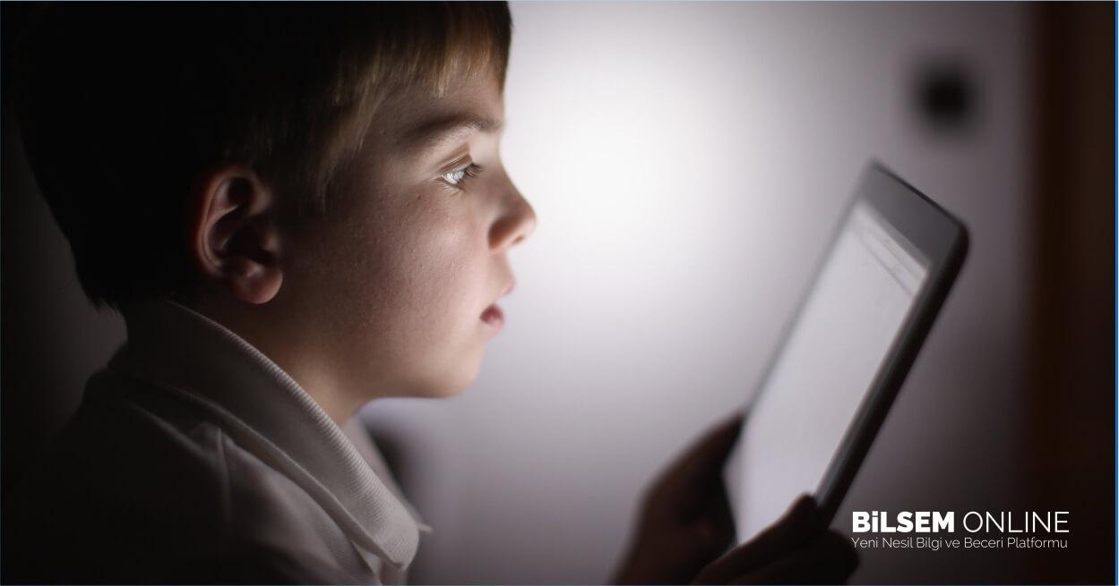 Yaz Tatilinde İnterneti Verimli Kullanmak İçin Neler Yapmalıyız?